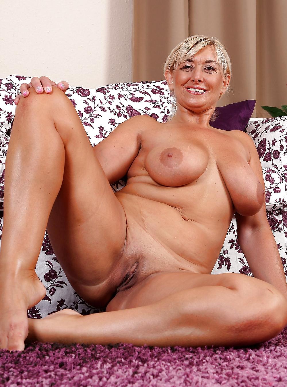Hungarian milf mature women in nude