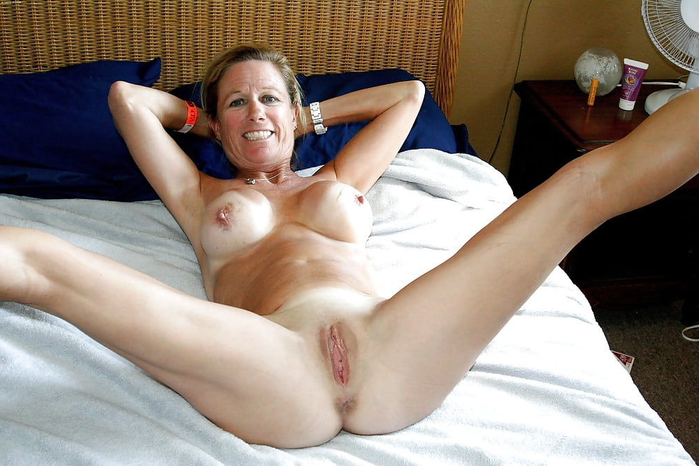 shaved-cunt-milf-thumbs