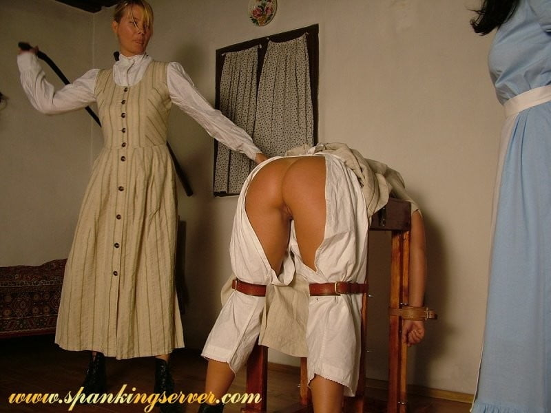 Фото наказанная прислуга — pic 11