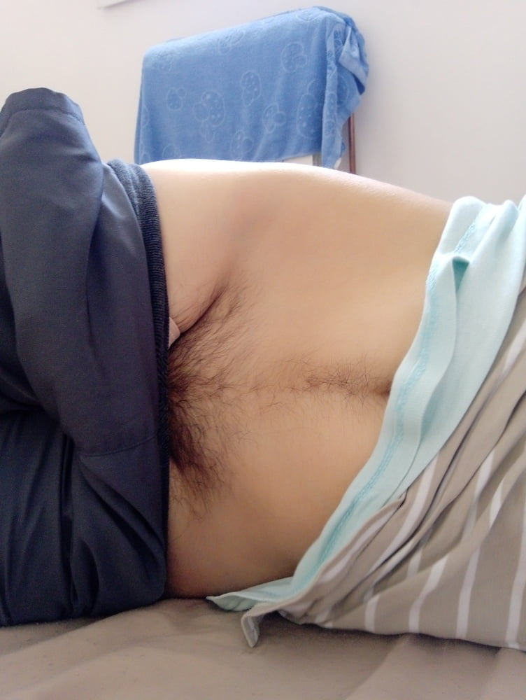 Hairy belly - 10 Pics