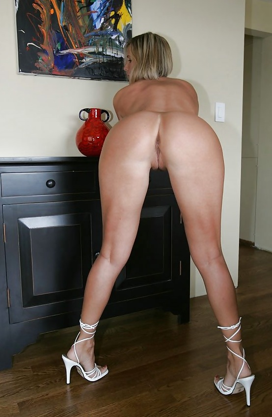 Ass bent blonde over sexy showing