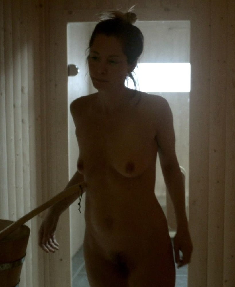 Sienna guillory nude pics