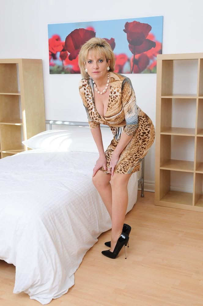 Lady Sonia Vol. VI - 42 Pics