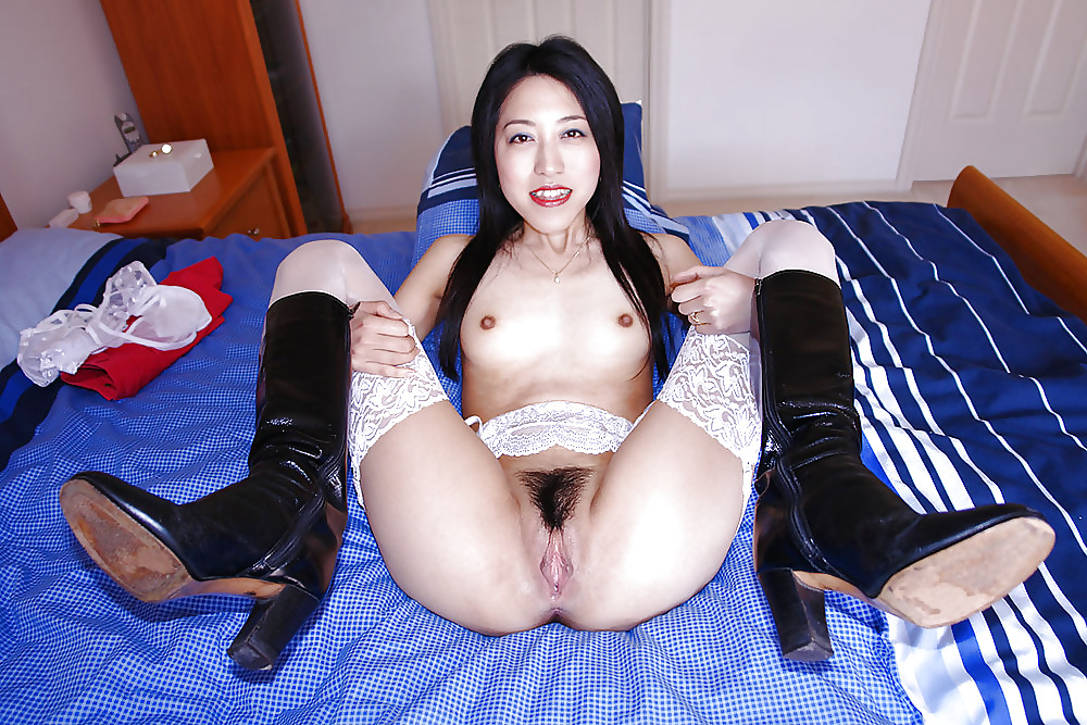 korean-pussy-stockings-two-women-one