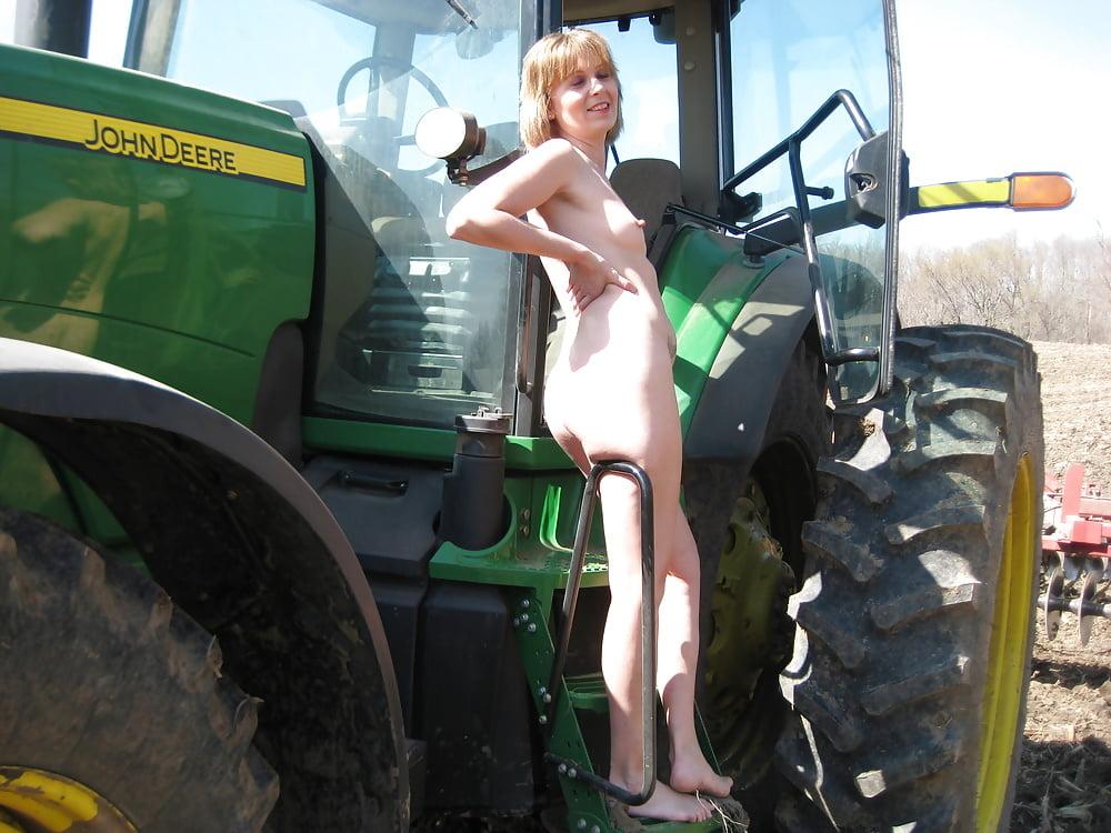все это порнушка трактористы в россии видео этот момент девушка