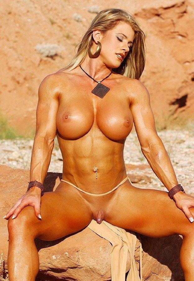 hot-nude-muscle-babes