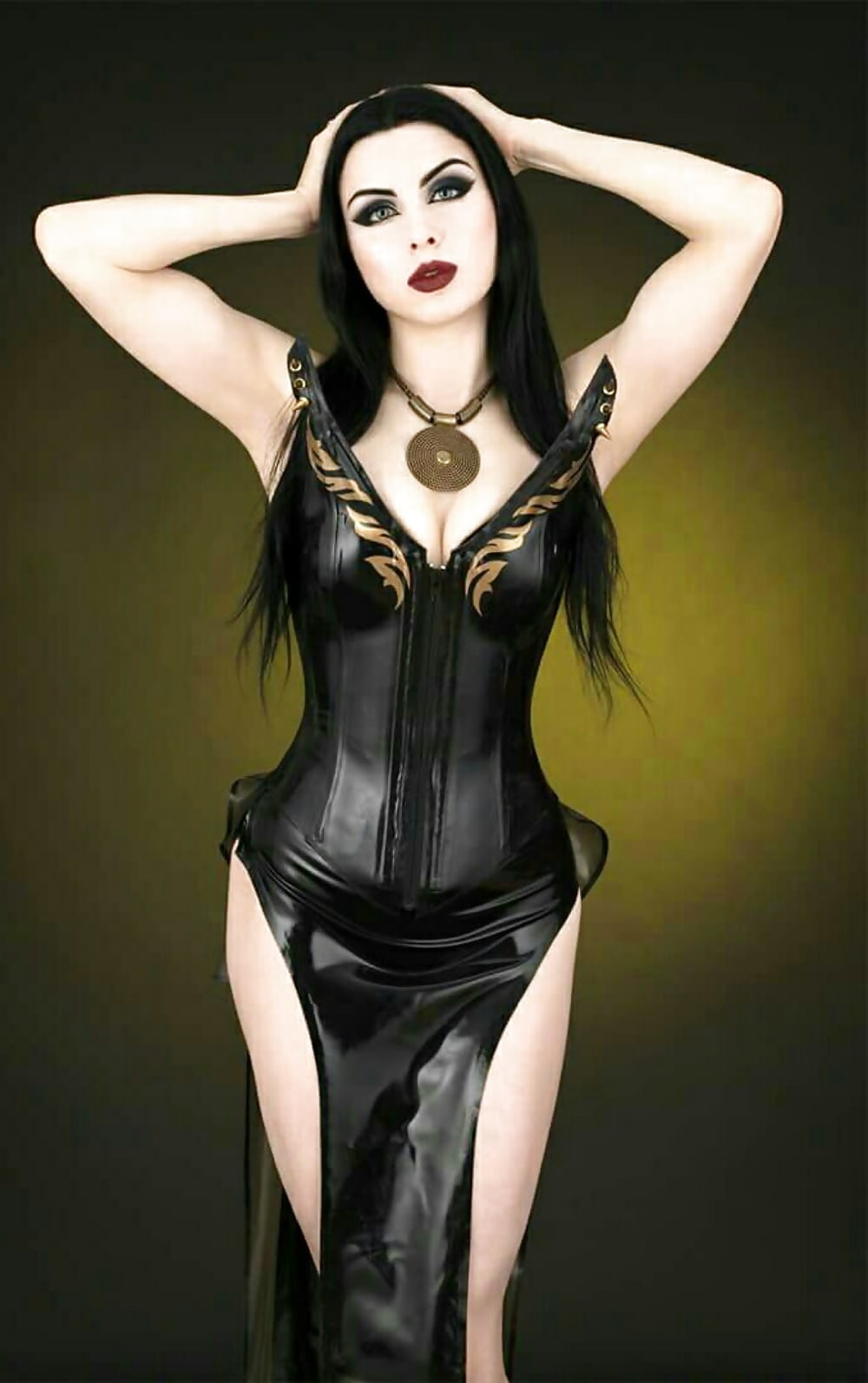 sexy-topless-model-goth