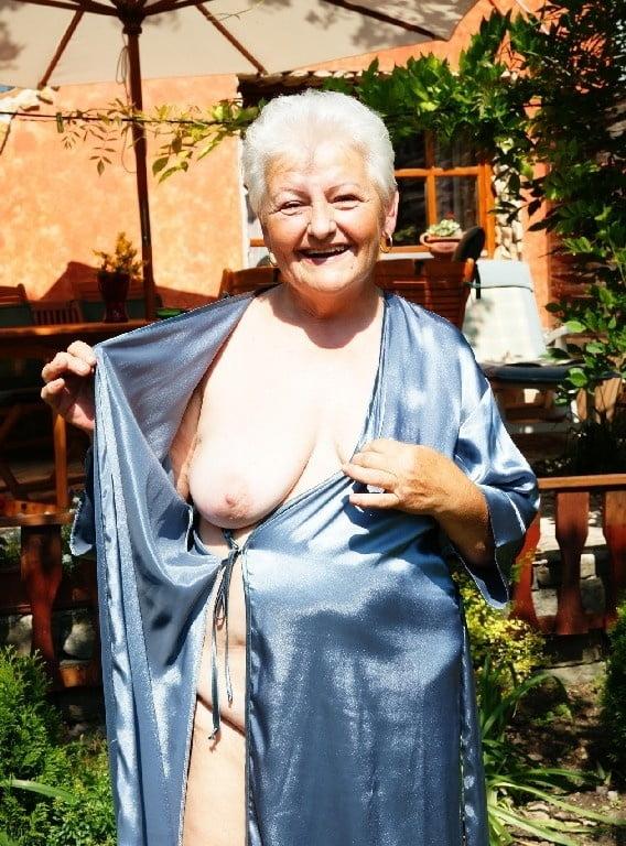 Grandma wants you to watch... - 25 Pics