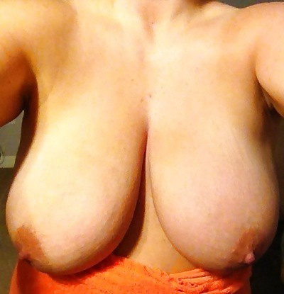 cousins huge natural tits