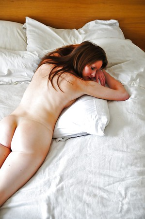 Adult Pictures HQ Black pussy showing pink