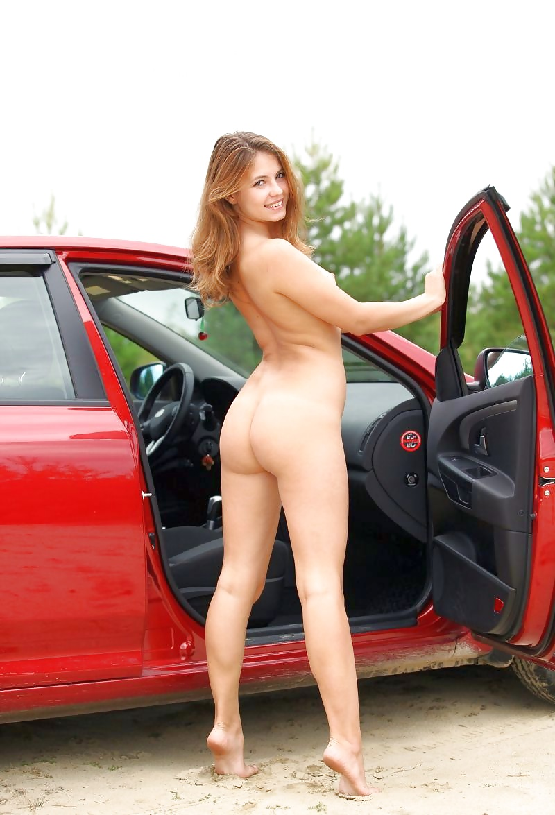 Fucking video cars and naked girls posing