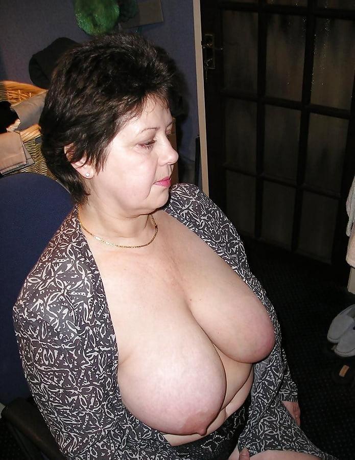 ngxnaughtysite  Amateur wife monster dildo