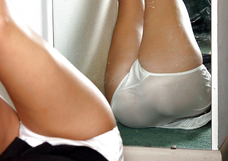 high-school-wet-panties-pic