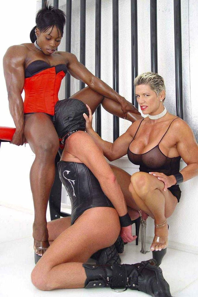 Muscle girls anal strapon handjob