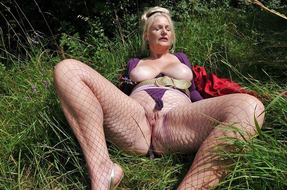 Порно на природе со старушками — photo 11