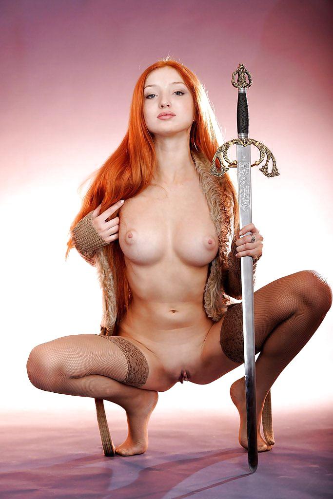 Ideal Naked Woman Katana Pic