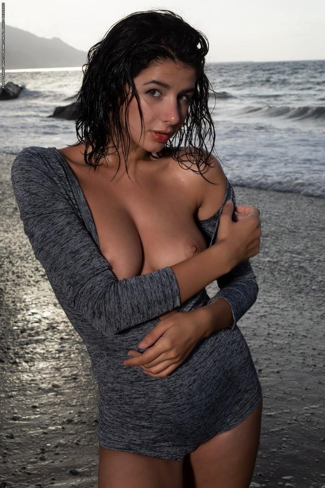 Nadine On A Black Beach Datgap Porhub 1