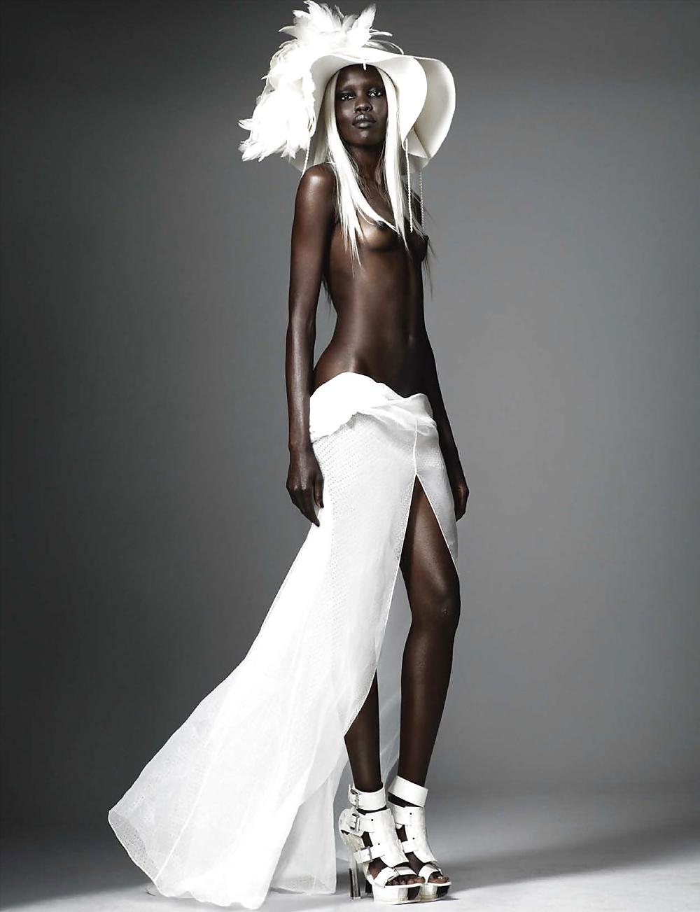 Dark black girl nude-7758