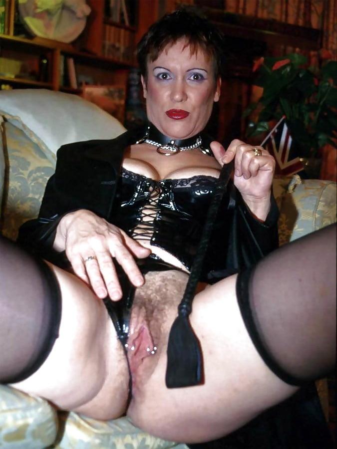 Порно фото старой госпожи — photo 1