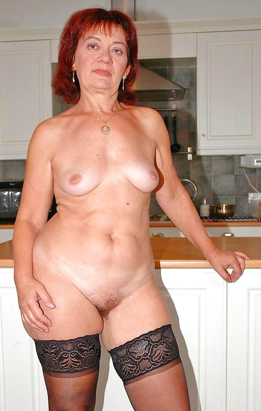 голые бабы лет пятьдесят