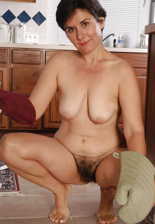 Plain horny mature woman tube