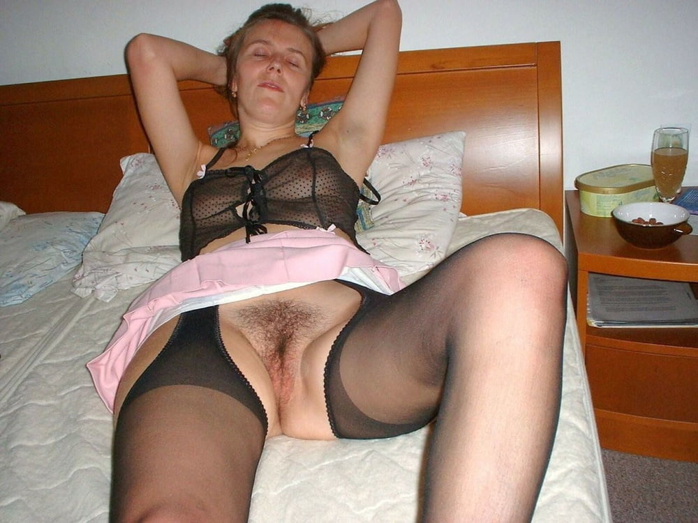 Upskirt moms and pantyhose wives, amateur nude jail bait