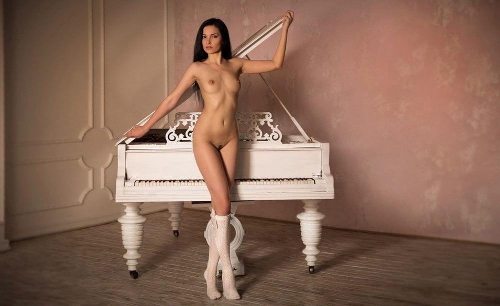 erotika-onlayn-studii-devushek-russkoe-porno-zrelie-moloduhi