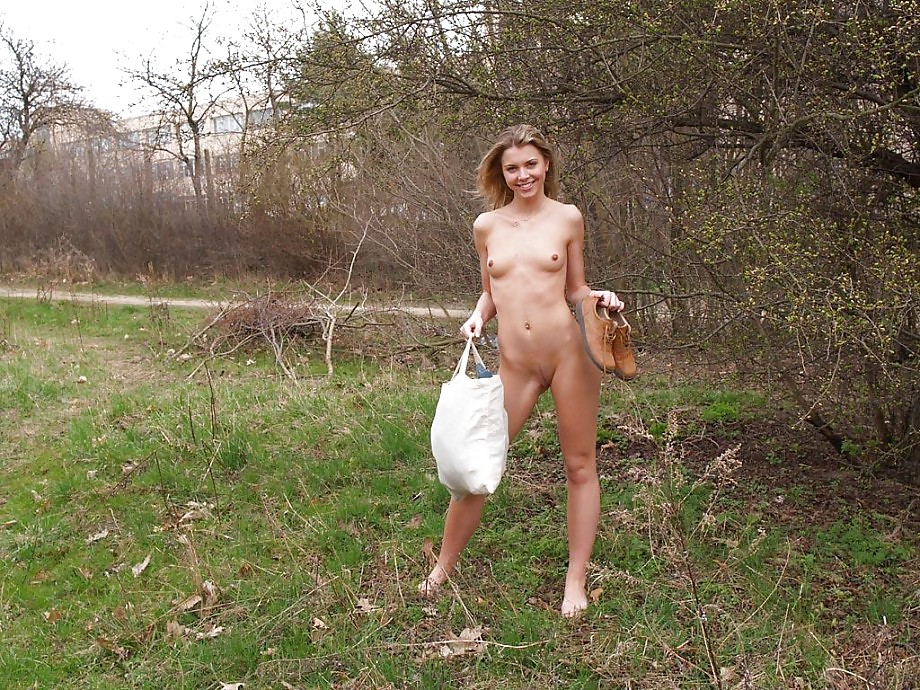 girl undressed and showed her naked body