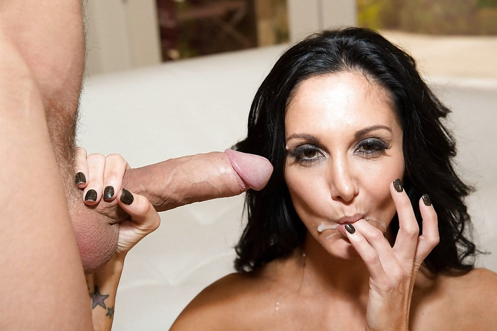 Sporty girl Rachel Starr strips and exposes her body