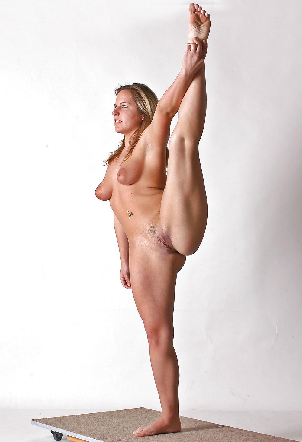Stunning Brunette Lorena G Rollerskating Naked Spreading Legs Wide Open