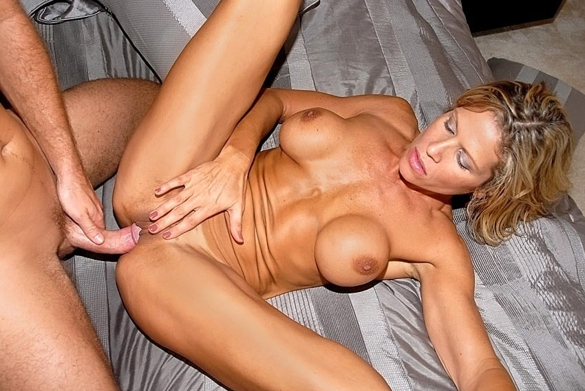 Free hd real milf hunter porn photo