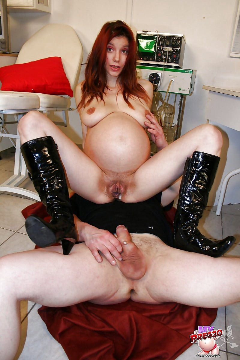 Pregnant redhead hard fucked in a threesome