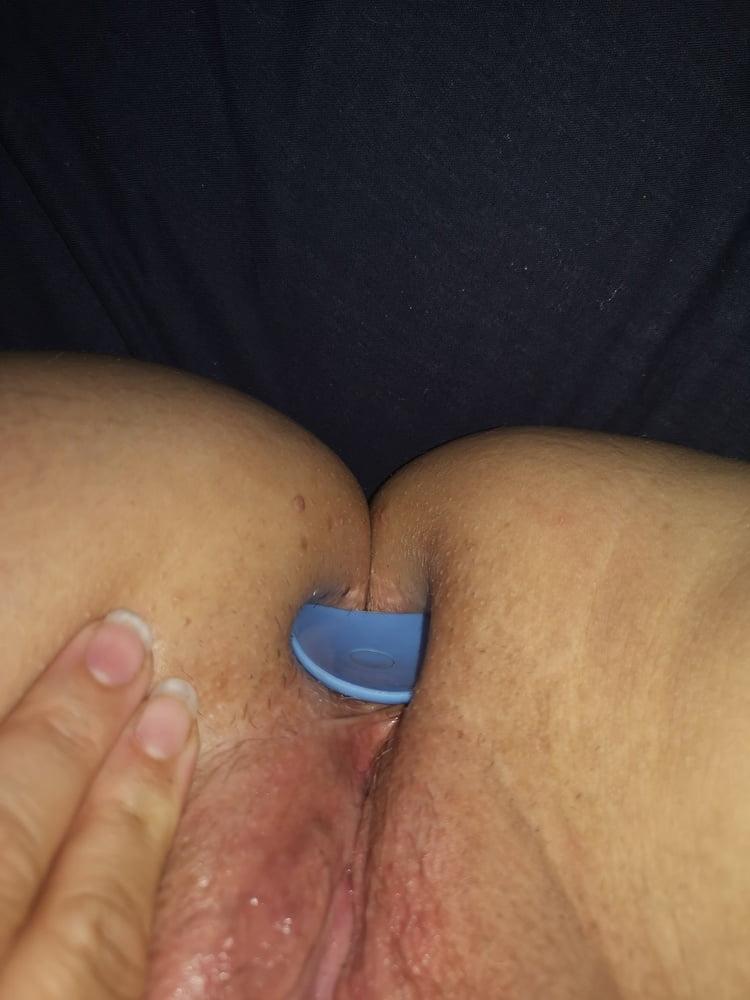 Bigbustyhugetits and her butt plug - 9 Pics