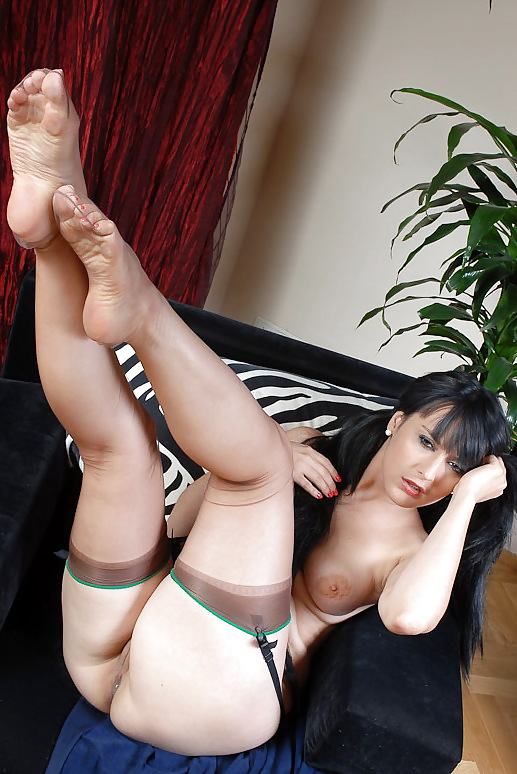 Nude stocking feet, pussy tenten
