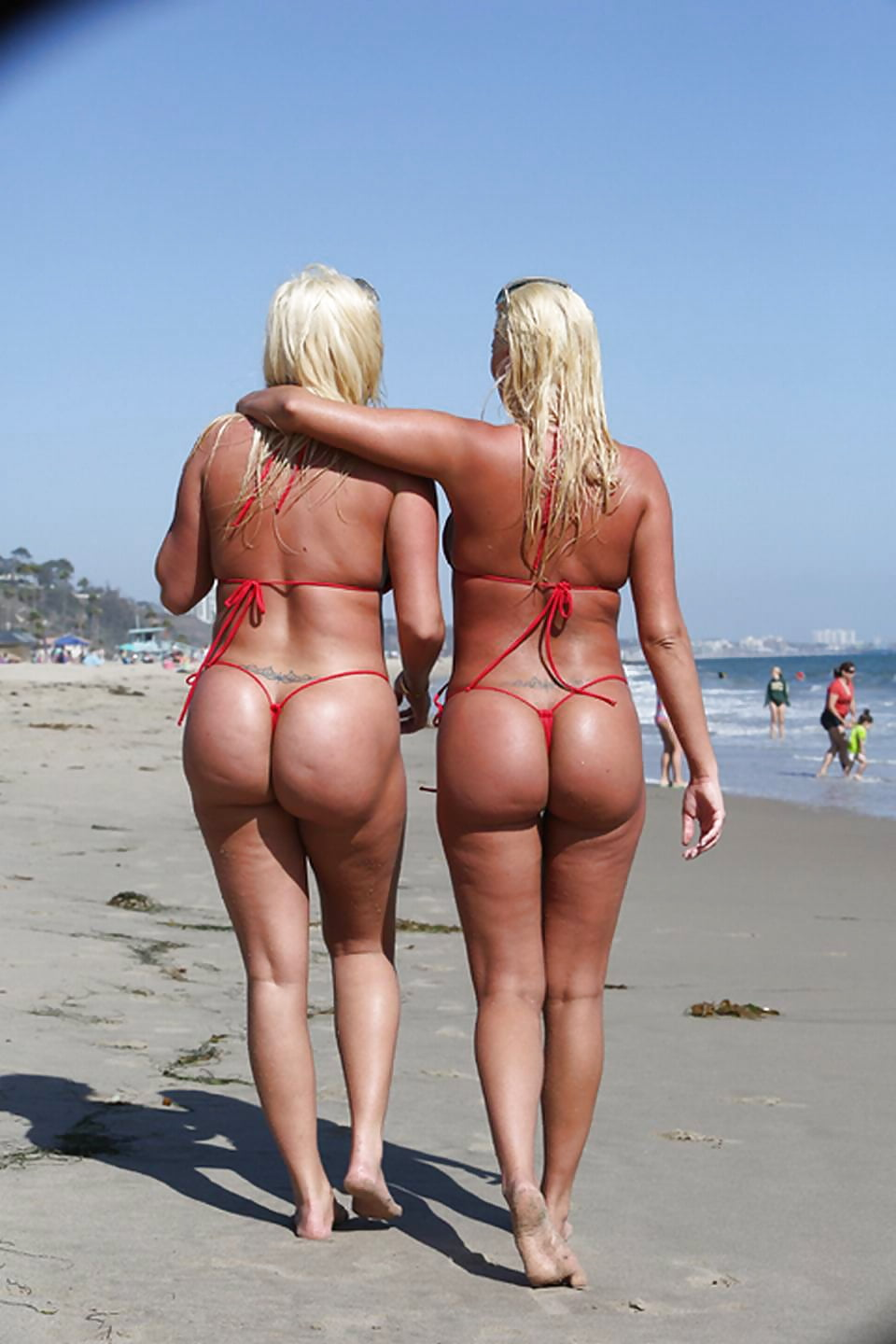Twins with fat asses — 11