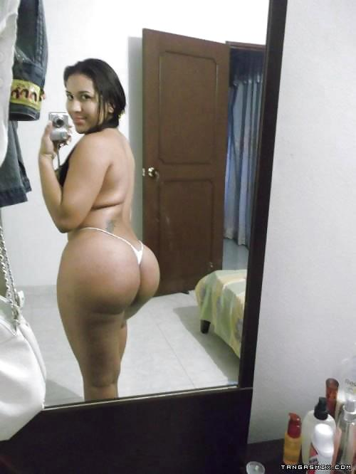 Thick Latina Getting Dick Down