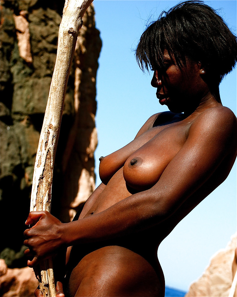Beautiful african tribe nude