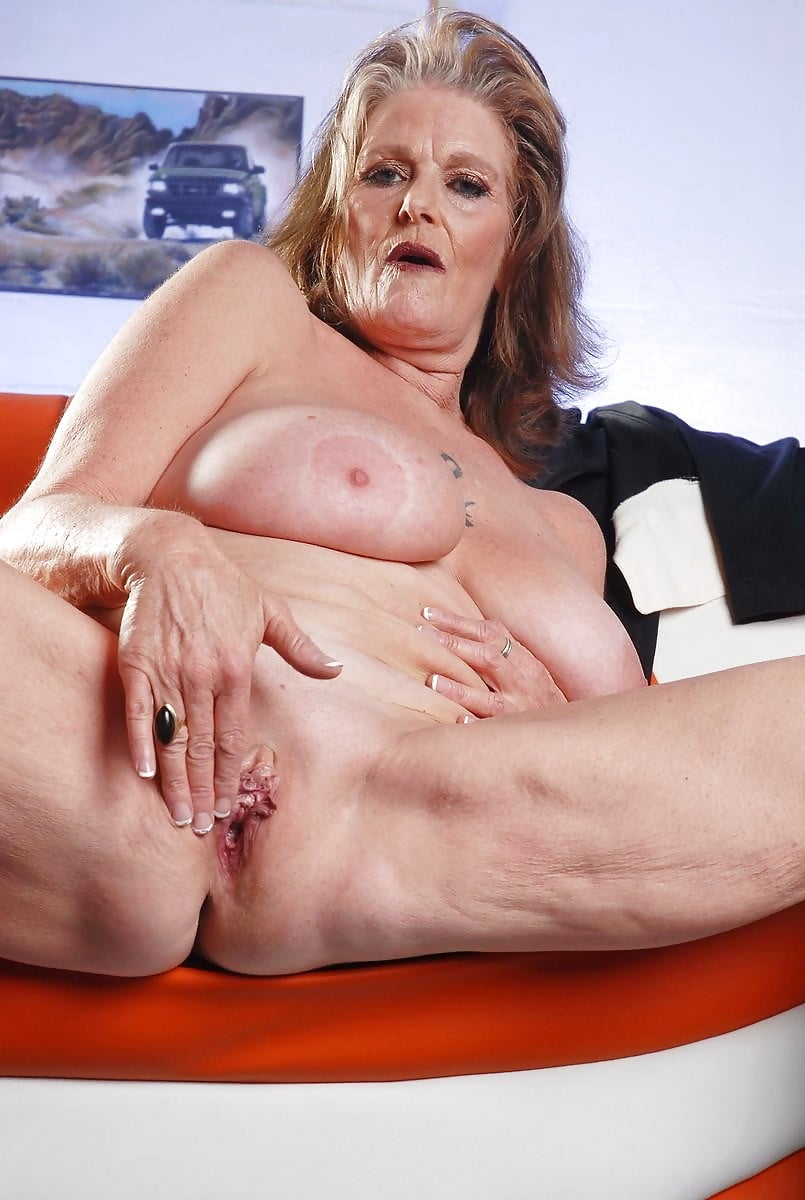 Funniest looking grannys pussy, bare naked pussys