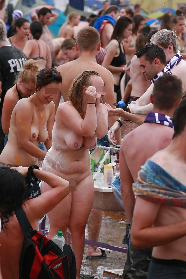 Woodstock Nude