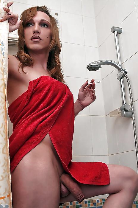 New porn Sexy latina tranny deepthroating cock