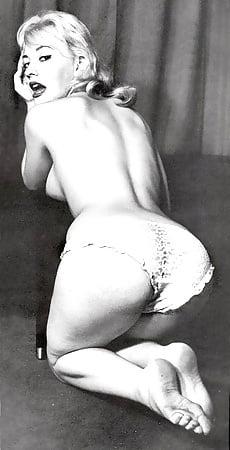 Geri halliwell posing nude