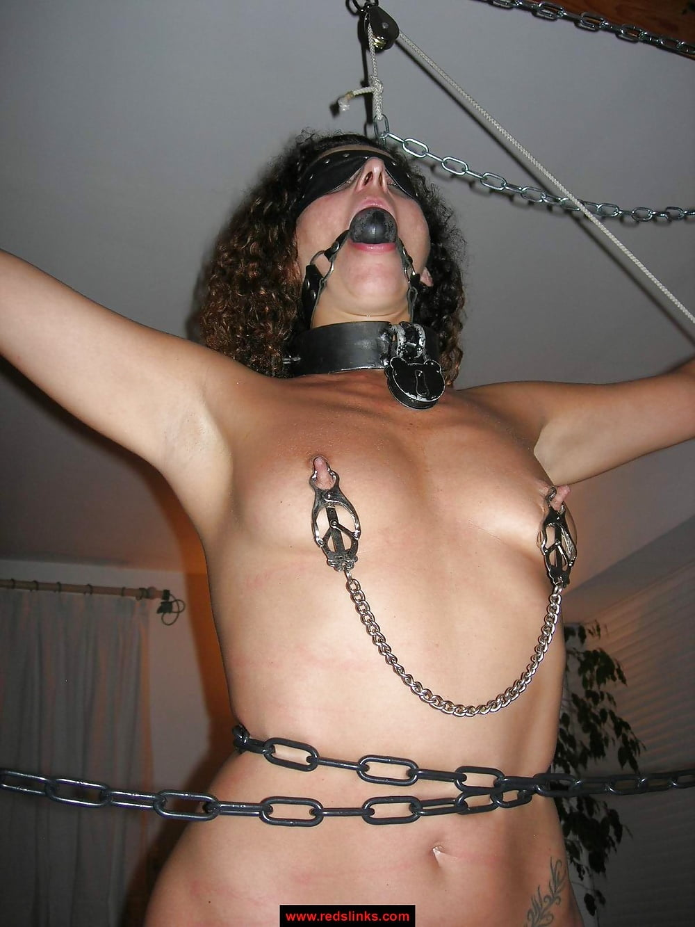 bdsm-slaves-with-nipple-clamps