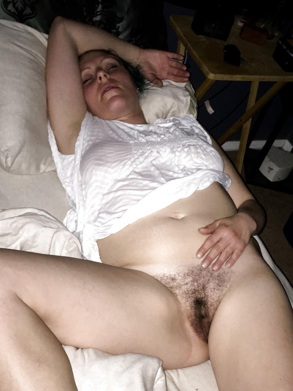 podglyadivaniya-trahnut-sonnuyu-porno-aziatka-prishla-k-ginekologu