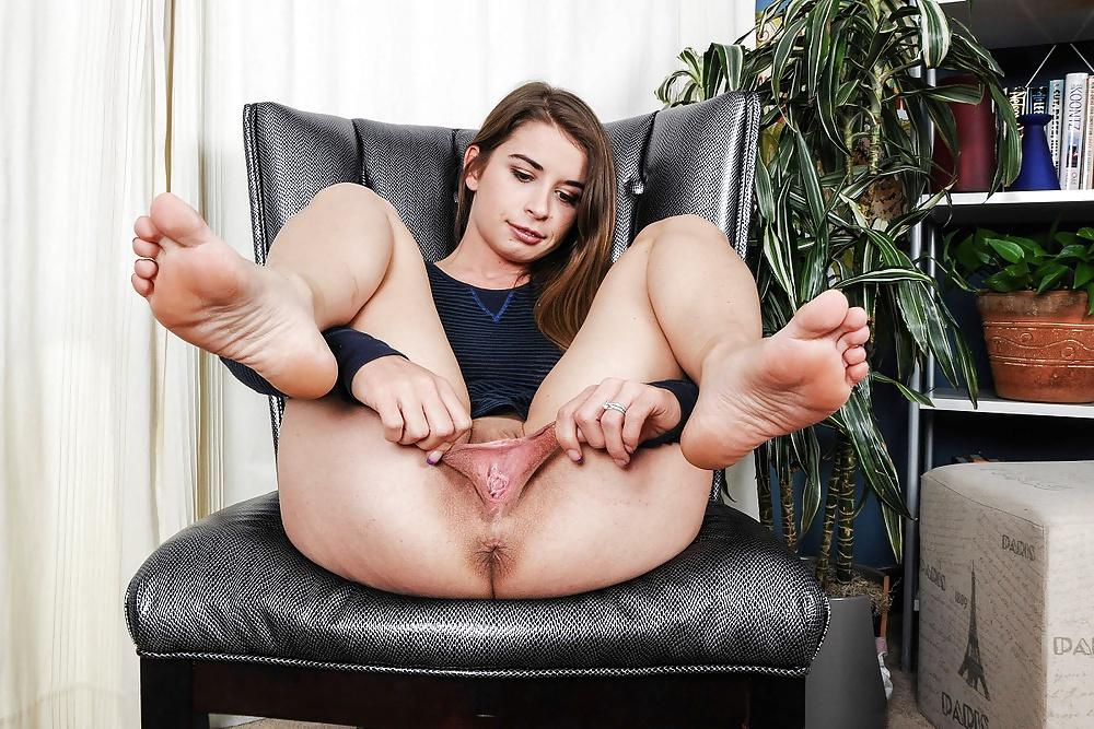 Goddess Leyla Foot Worship