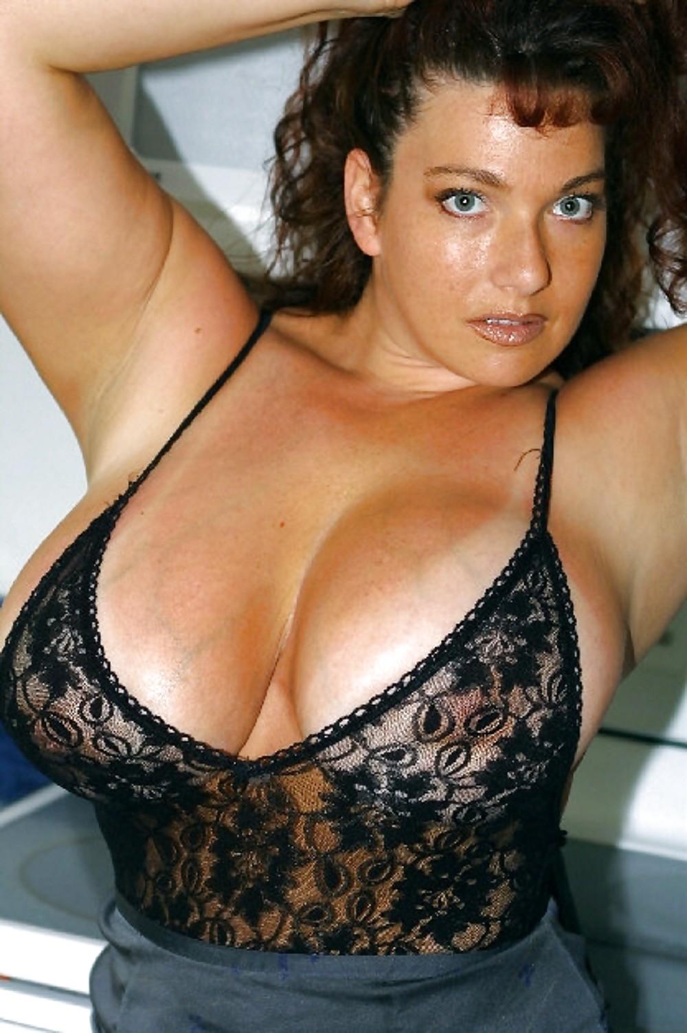 Galeria ebony boobs