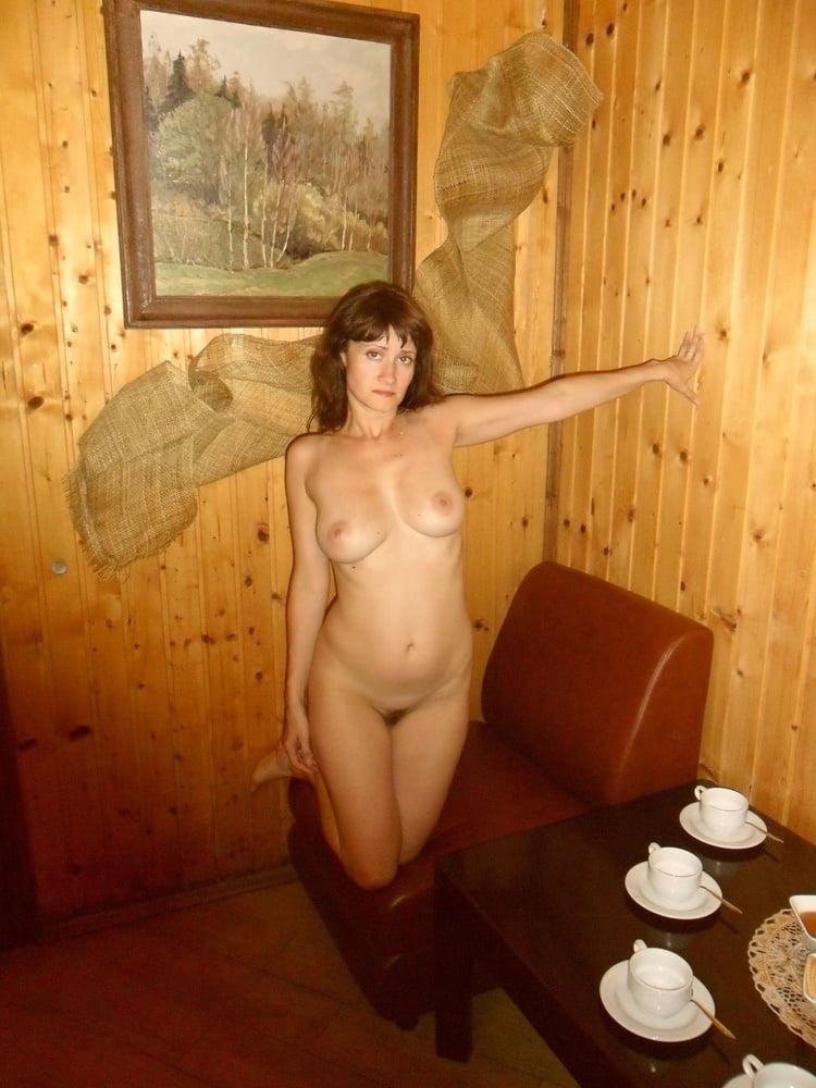 чужая голая тетя лена на кухне