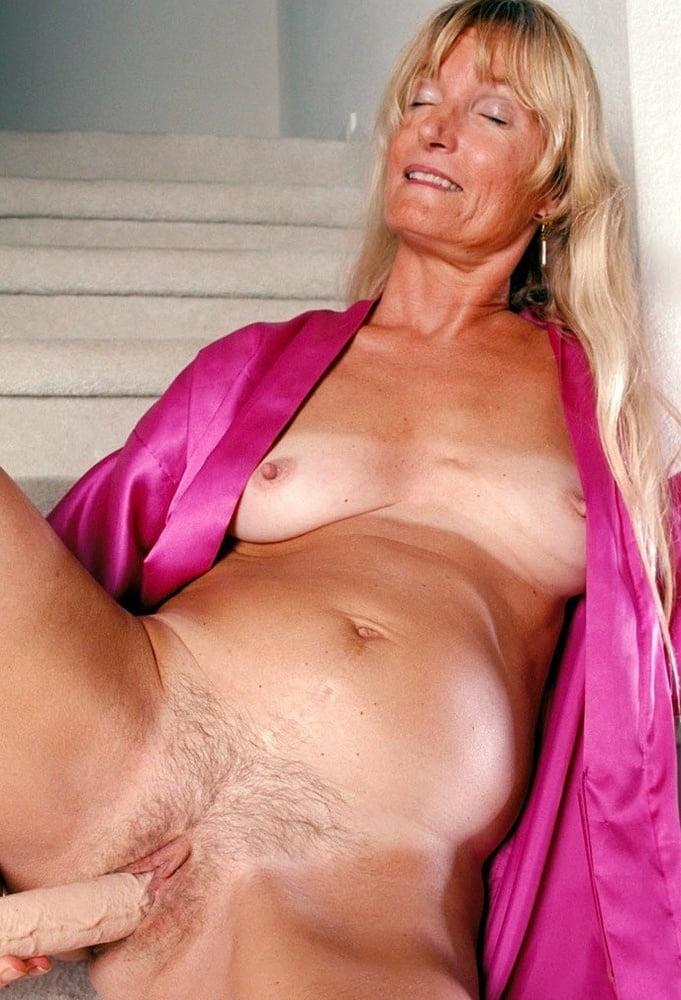 Sexy mature nude pics, women porn gallery