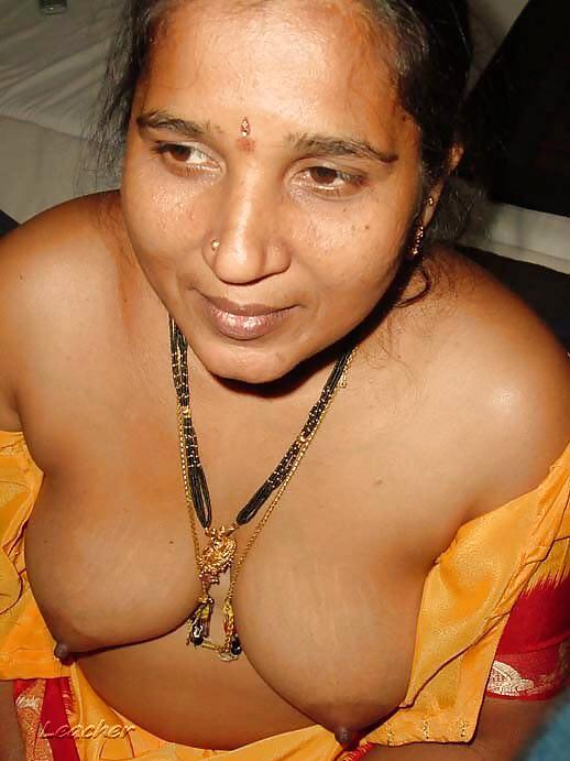 indian-aunty-lesbian