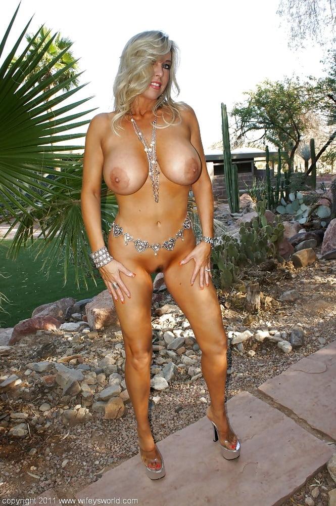 Hot horny naked wives-2933