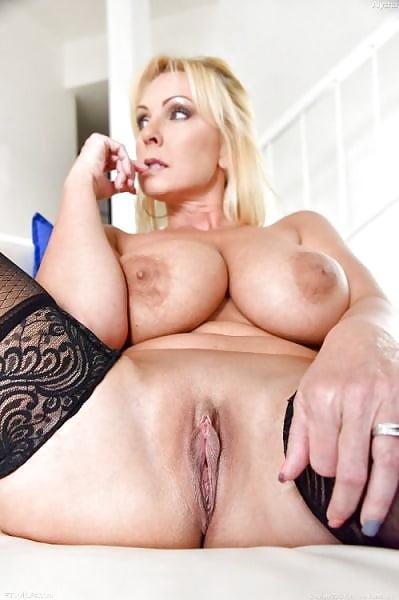 русская зрелая женщина с сочной киской это